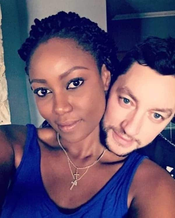 Yvonne Nelson denies breaking up with Jamie Roberts
