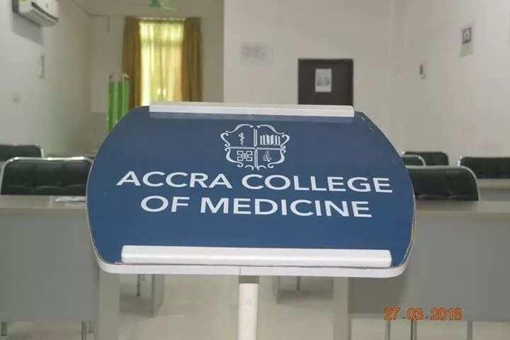 accra college of medicine entry requirements fees of accra college of medicine accra college of medicine programs courses offered at accra college of medicine