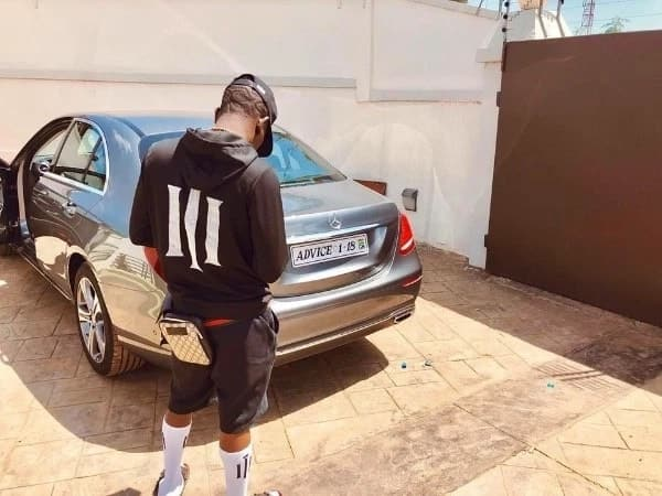 "Sarkodie fan registers motorbike ""Alumi"" to challenge Shatta's ""Advice"" Benz"