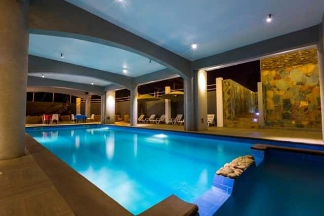swimming pools in Accra, indoor swimming pool in accra, hotels with swimming pools in accra