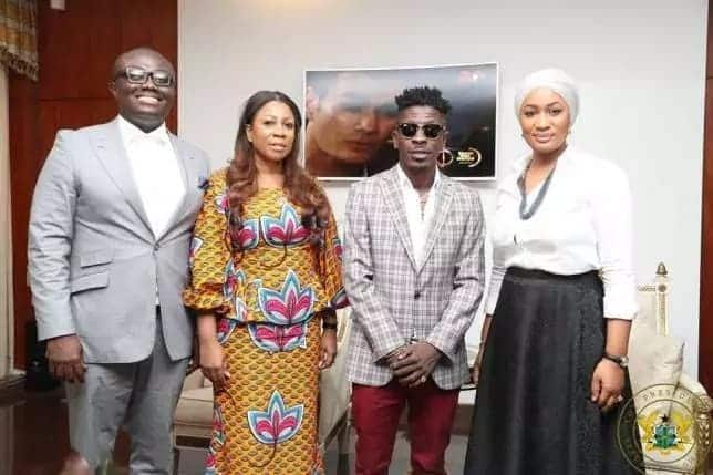 Samira Bawumia poses for a picture with Bola Ray and Shatta Wale