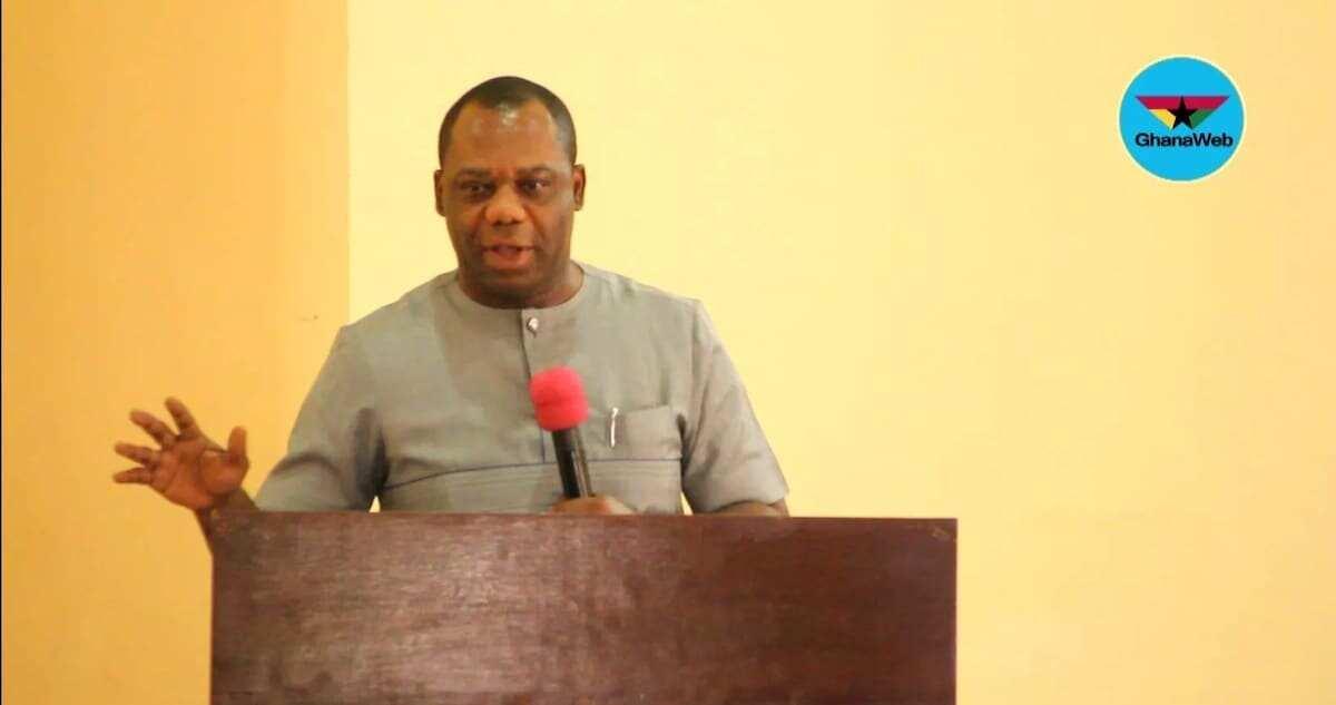 Education Minister comments on former prez Mahama's progressively free SHS