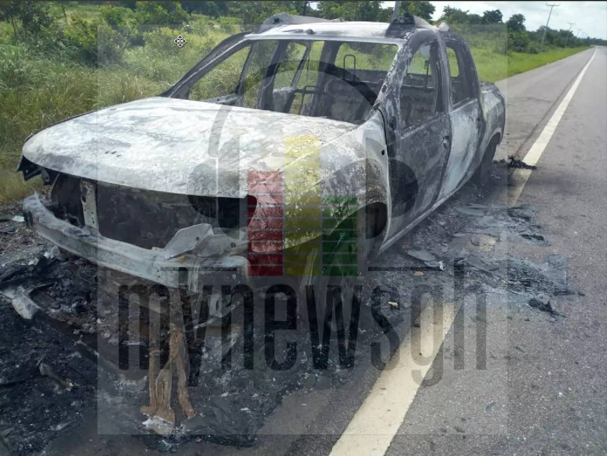 One dies at Damongo as NPP car burst into flames on the road