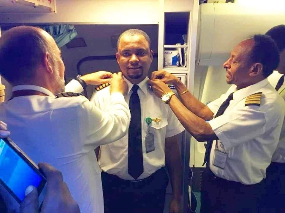 Aircraft cleaner becomes captain of airplane after 24 years