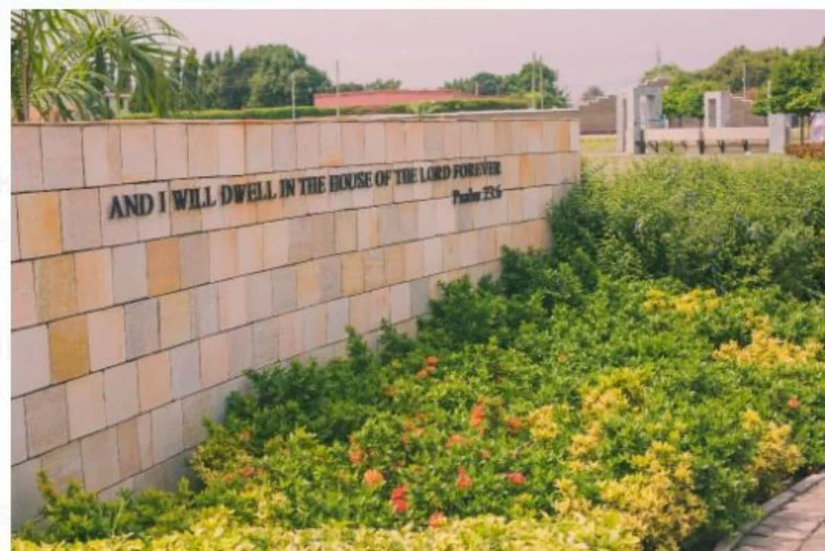 Side view of a cemetery wall