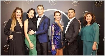 Ronaldo celebrates 2017 achievements with his family in a gala named after him (photos)