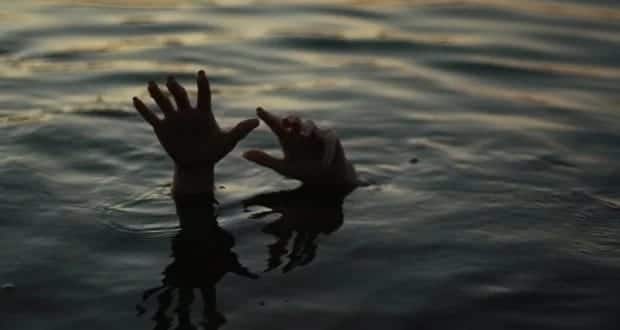 A photo showing someone who has drowned