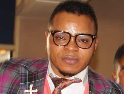 Obinim 'forces' woman to carry bag of cement for hours as punishment (VIDEO)