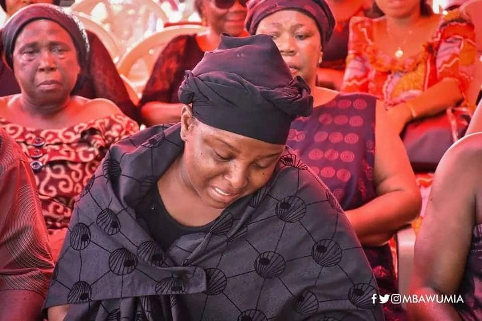 Pictures of Kaba's wife mourning him breaks hearts on social media