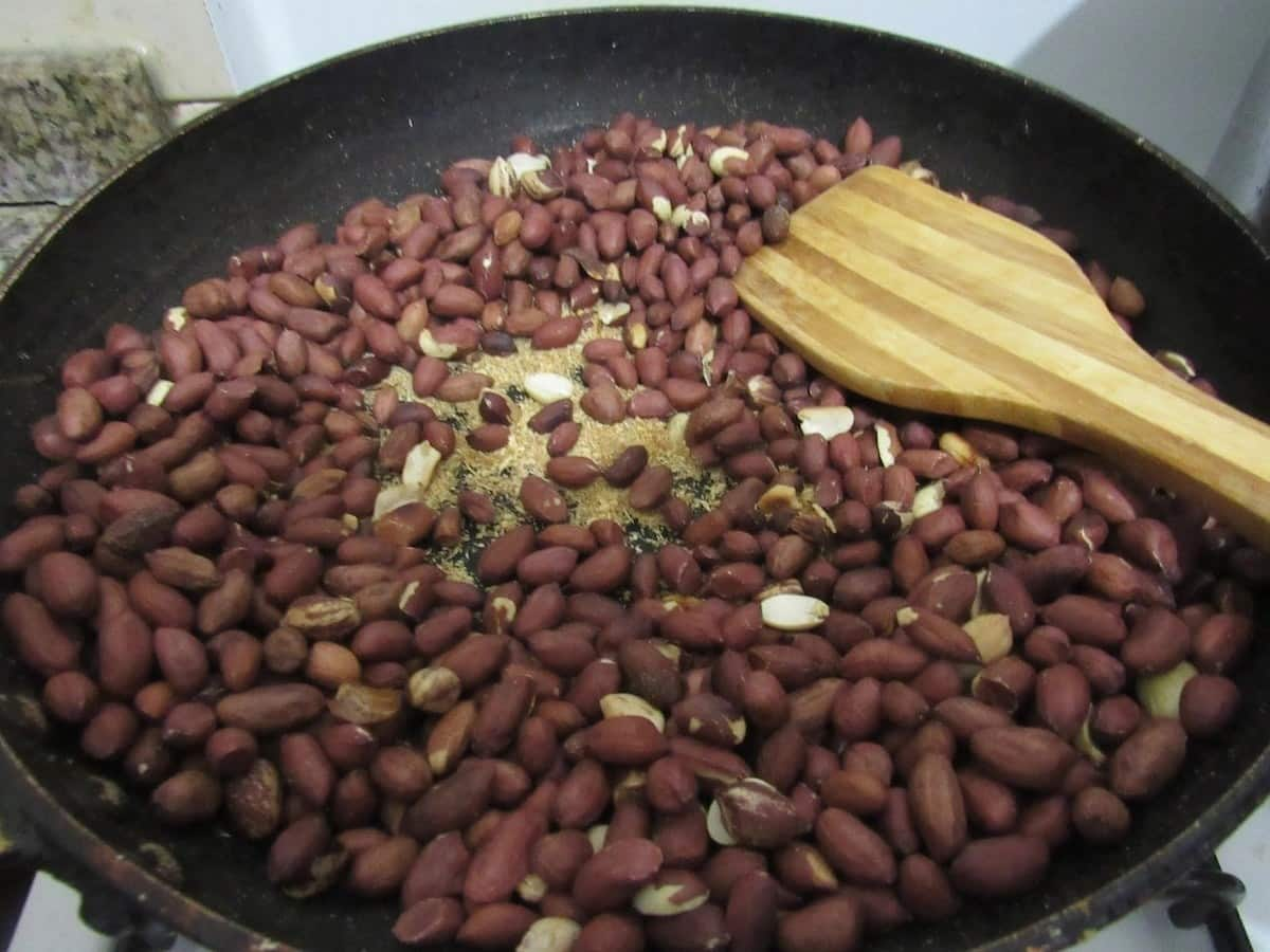 peanut benefits to the human body eating peanuts everyday good or bad peanuts benefits for men