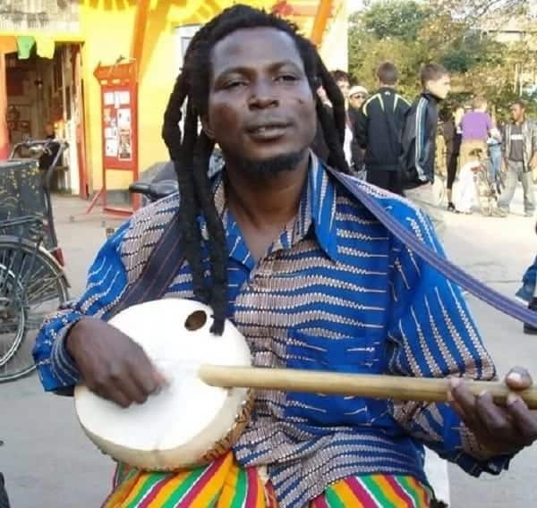 King Ayisoba reveals the number of Ghanaian politicians who are 'wee'