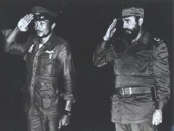 These rare photos of Rawlings and Fidel Castro will make your Monday memorable ▷ YEN.COM.GH