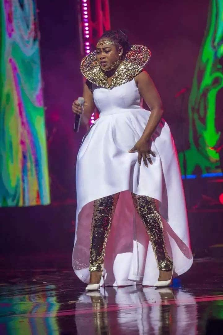 """Different """"flavours"""": What your favourite celebs wore to the Becca@10 concert"""