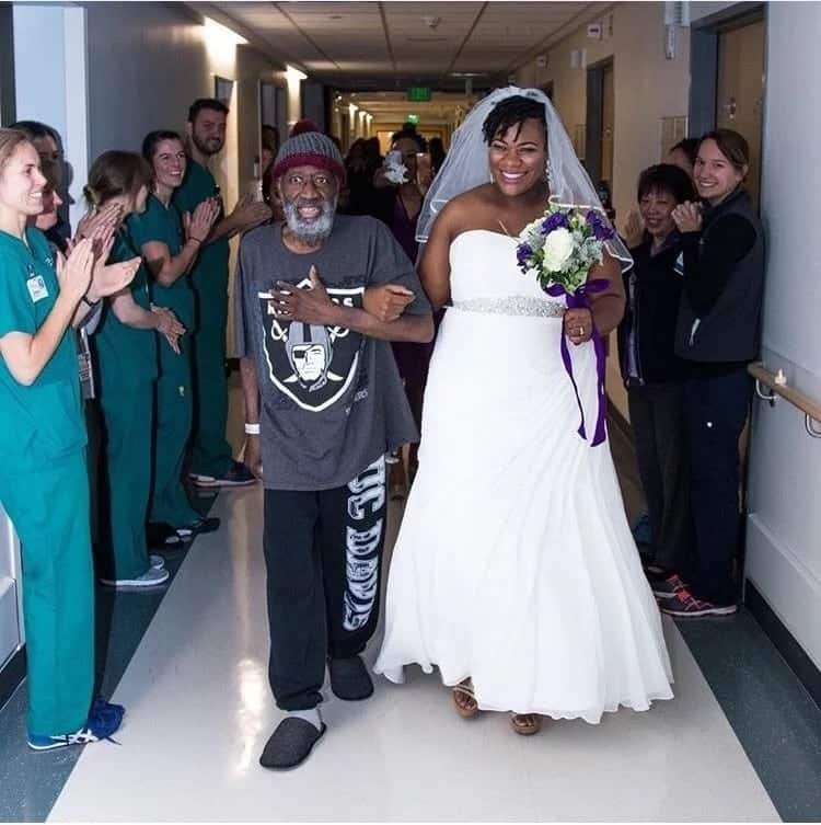 Lady fulfils dying father's wish by presenting him with the best wedding gift ever