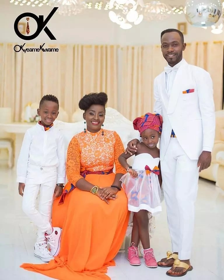 Okyeame Kwame flaunts his 'full house' in latest photo as they fly out in style