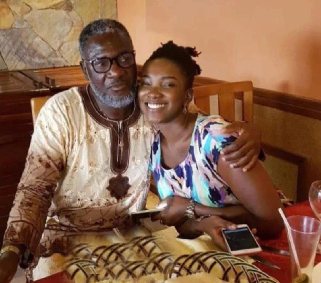 The late Ebony Reigns with her father