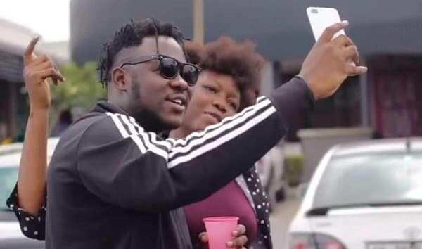 Rapper Medikal shops, 'blows' cash with 6 loyal fans
