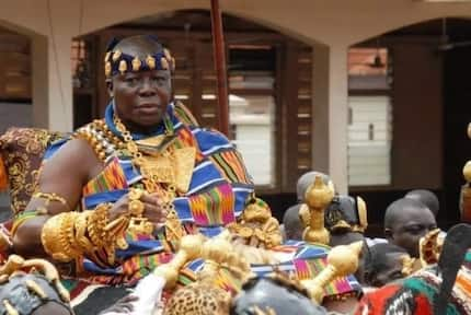 Otumfuo Osei Tutu proves he is a true Ashante with his impeccable Adowa dance moves in latest video