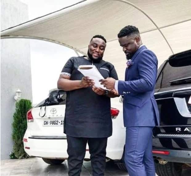Sarkodie's manager replies Shatta Wale