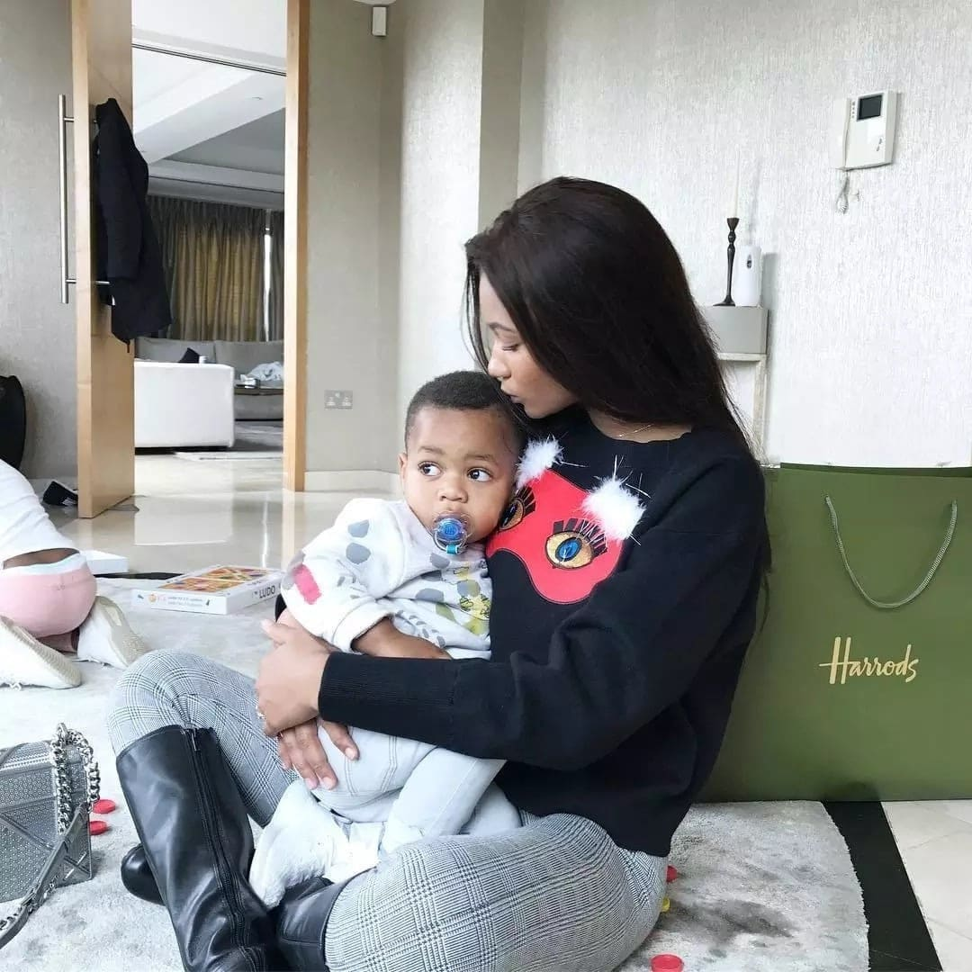 IMani Ayew spends time with Andre Ayews son