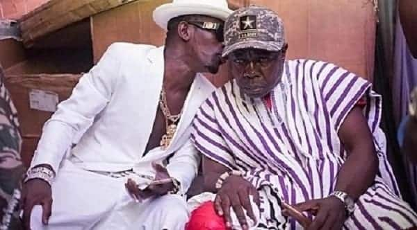 Shatta Wale conferring with his father