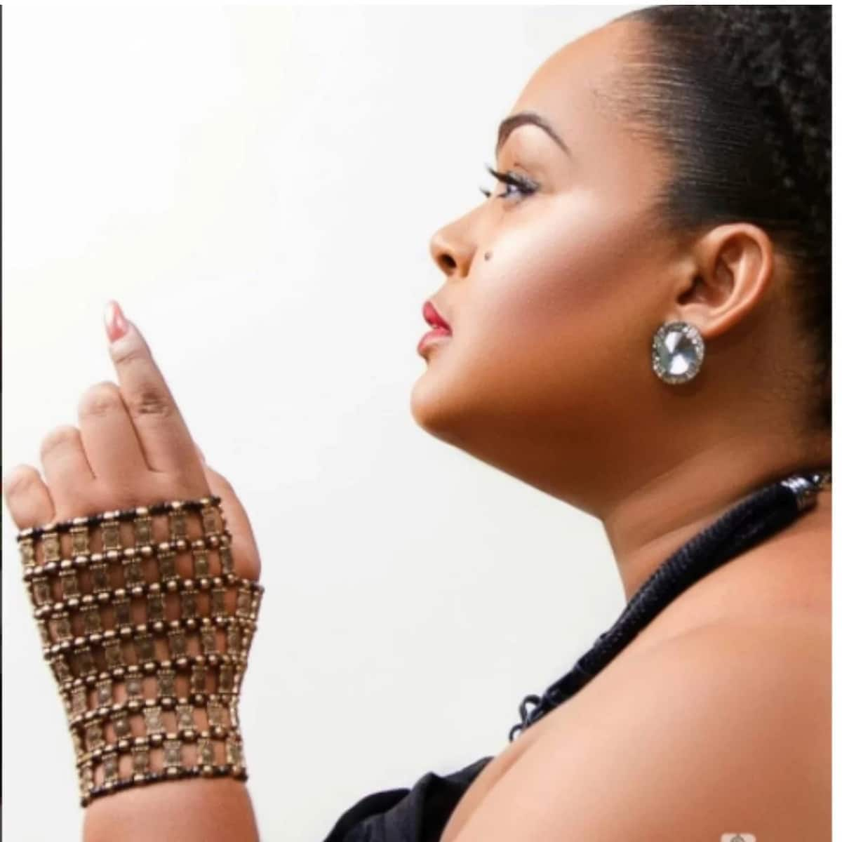 Vivian Jill Lawrence mesmerizes her fans with breathtaking pictures on her 33rd Birthday