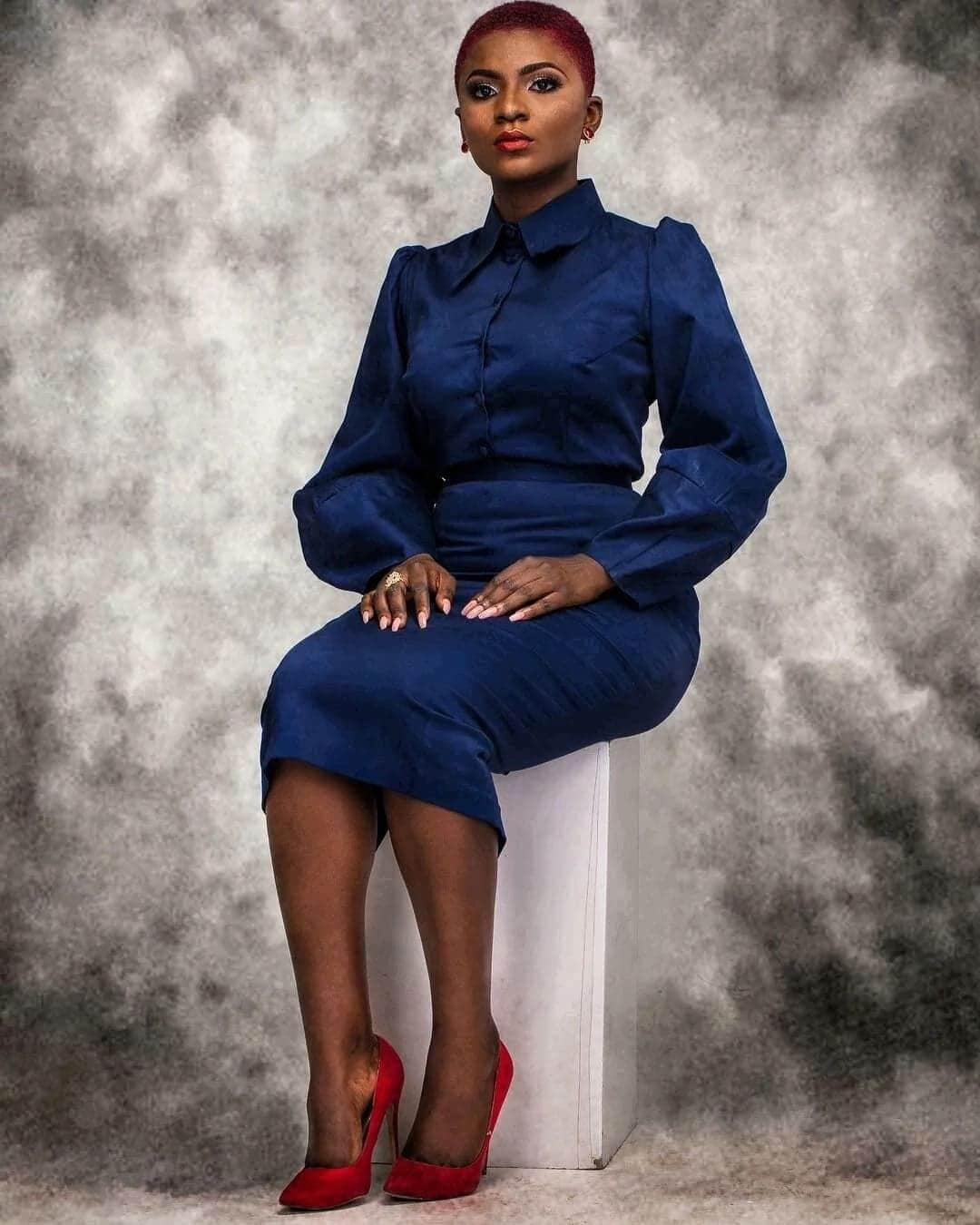 Ahuofe Patri is looking stunning in doll-like photo