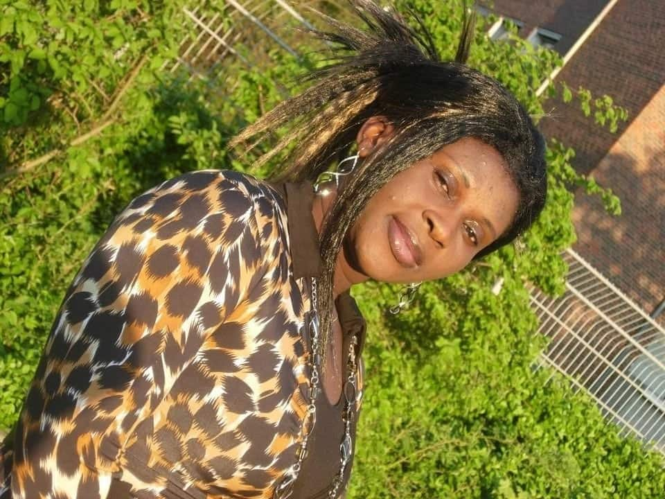 esther smith latest songs, play esther smith songs, esther smith songs ebi nsi da