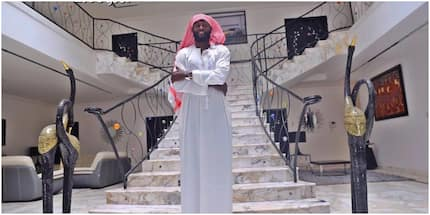 Emmanuel Adebayor deletes Kuame Eugene's songs from his playlist; says Patapeezy stands tall
