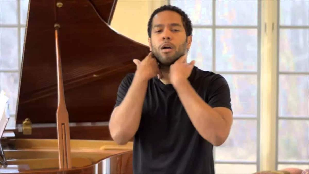 learn how to train your voice how to train your voice to sing higher how to soften your voice