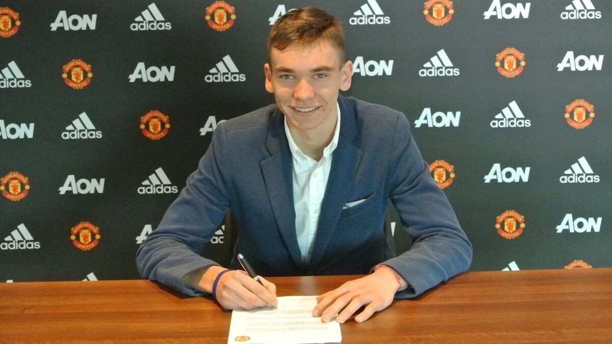 man utd latest transfer news