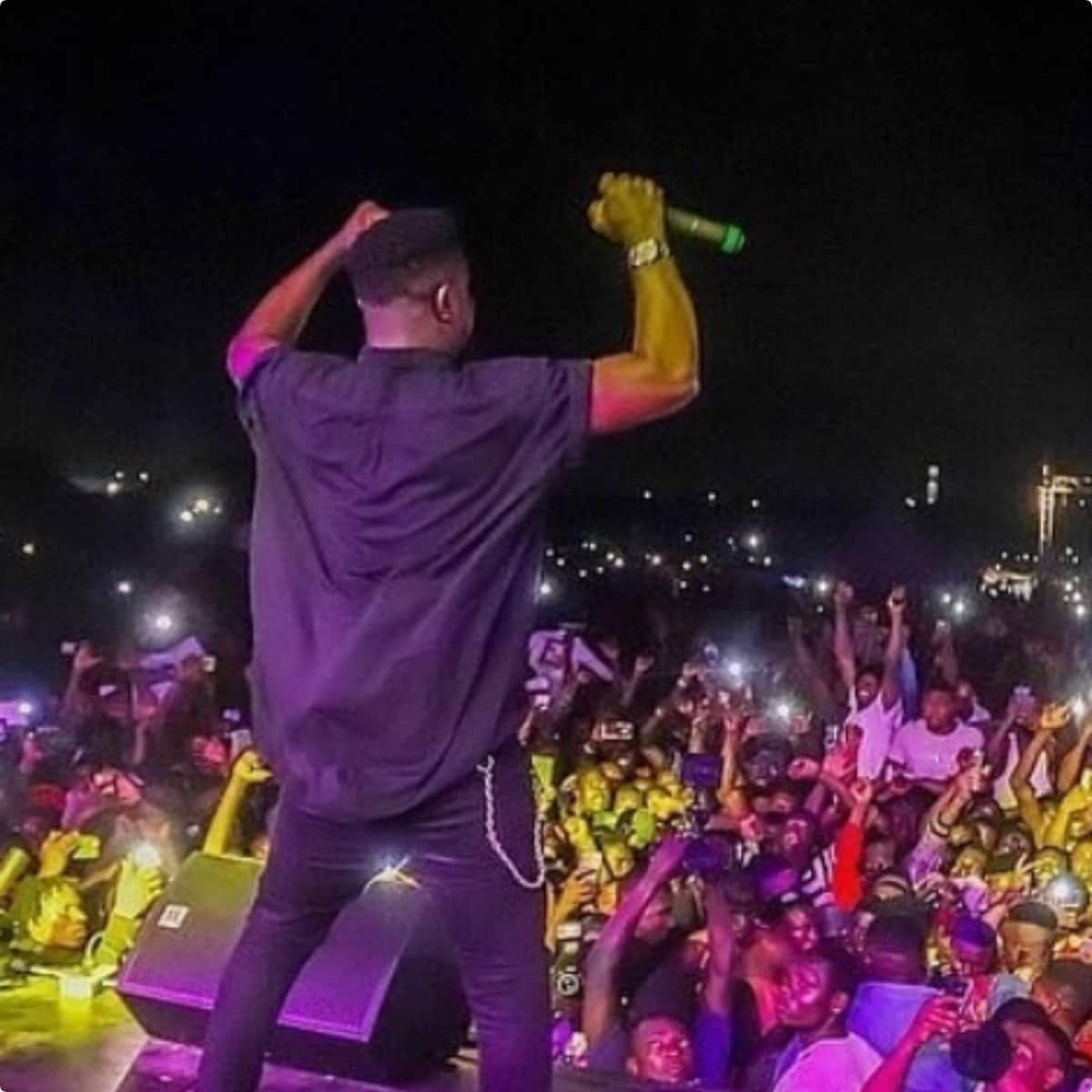 SM fans accuse Sarkodie of wearing 'alumi' chain after dissing Shatta Wale