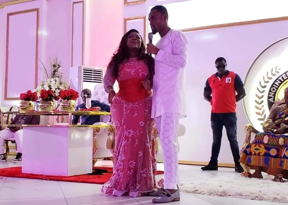 Obofour throws lavish birthday party for his wife