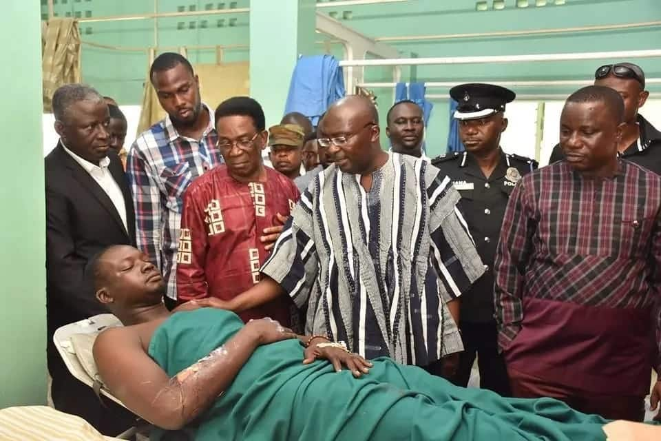 Vice President Bawumia visits Atomic Junction explosion victims; commiserates with bereaved families