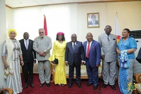 Samira Bawumia joins Dr Bawumia, JJ Rawlings, Nana Konadu, Nana Addo, Prof Oquaye, JA Kufuor and First Lady Rebecca for photo