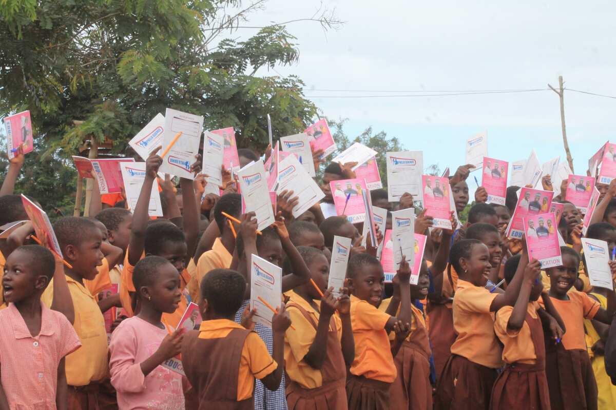 Ophelia Quainoo donates to Afrangua D/A Basic School