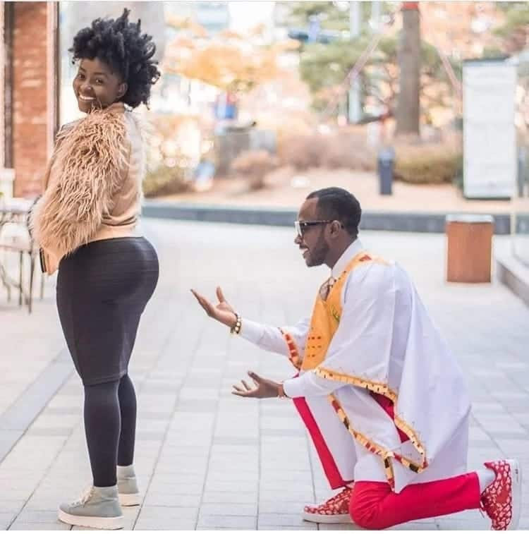 Okyeame Kwame and wife celebrate 9 years of marriage with stunning photo