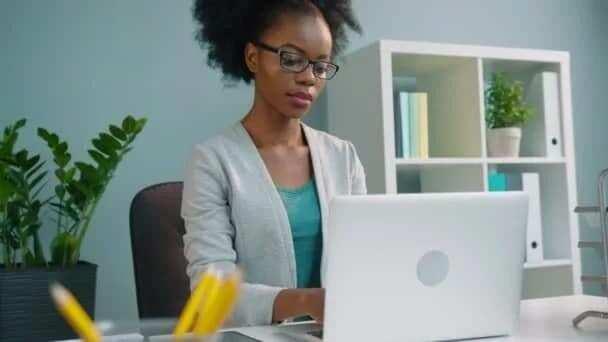 responsibilities of secretary what are secretarial duties secretary duties and responsibilities office secretary duties what are secretarial duties