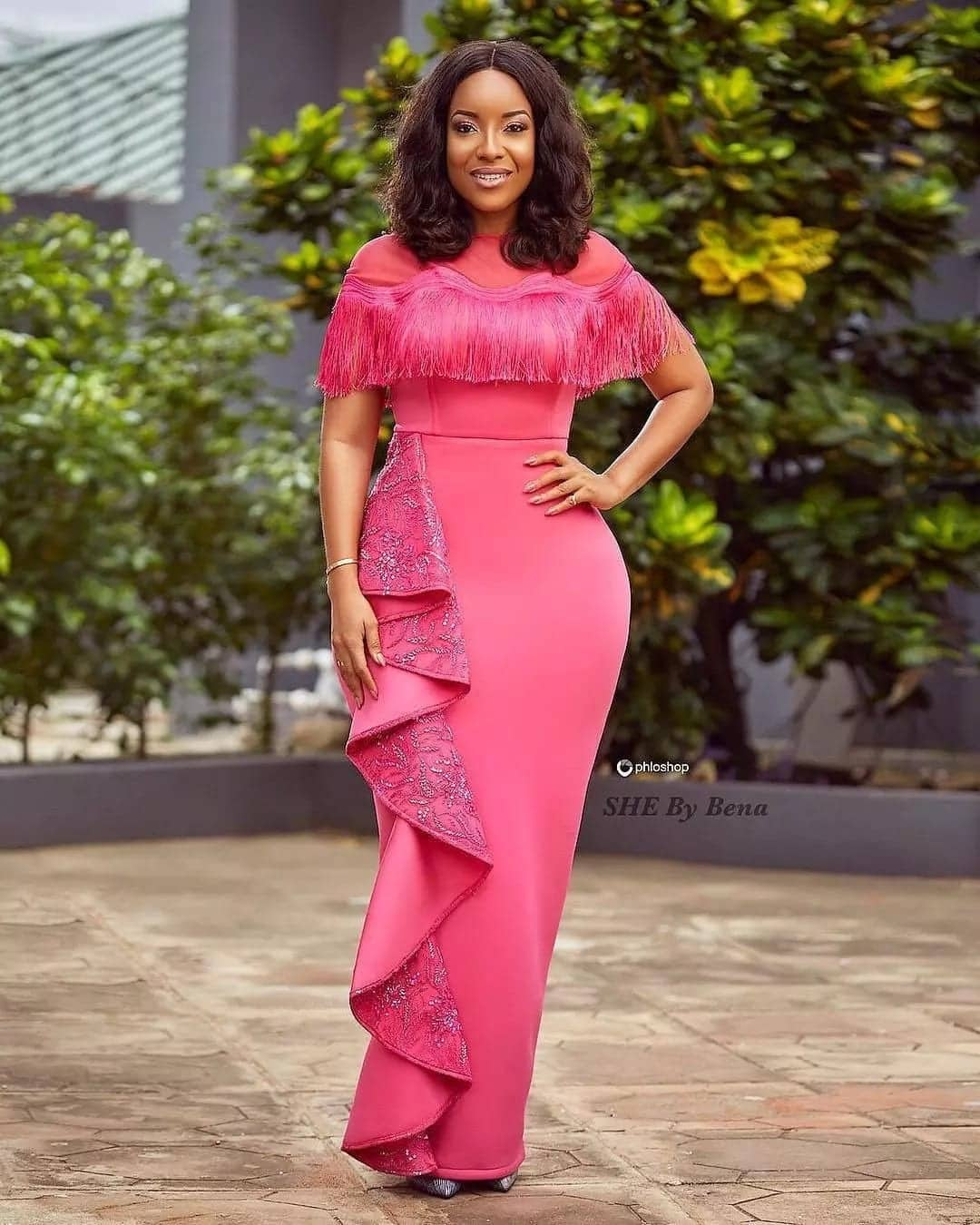 Joselyn Dumas nails pink october