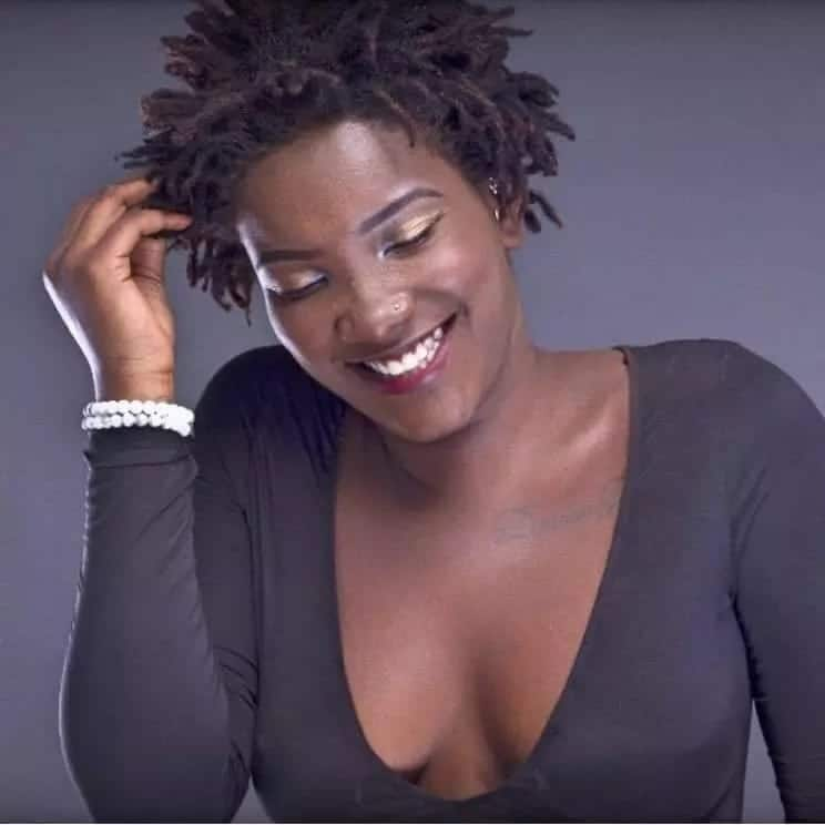 Ebony breaks the internet with 'wild' dance moves in latest video and fans can't stop talking over it