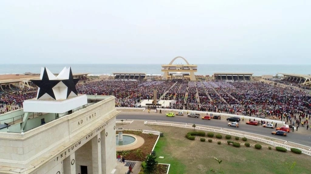 Thousands attend Bishop Dag's miraculous Good Friday Service