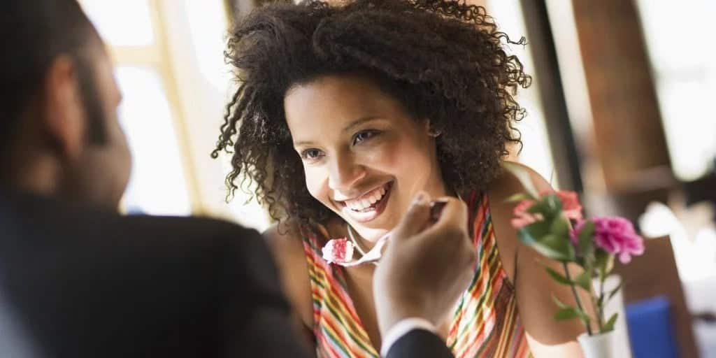 """5 powerful phrases that would move any Ghanaian lady better than """"I love you"""""""