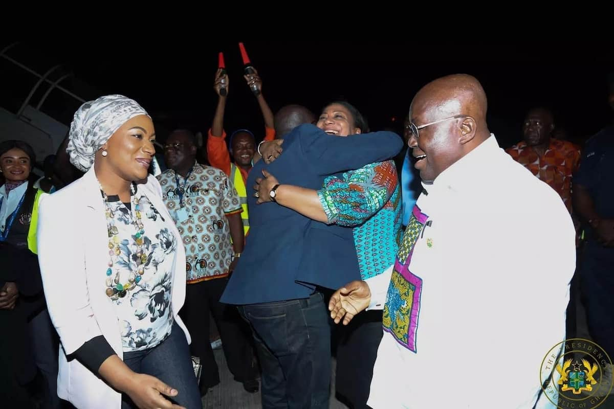 President Akufo-Addo chats with Samira while Dr Bawumia receives a hug from the First Lady