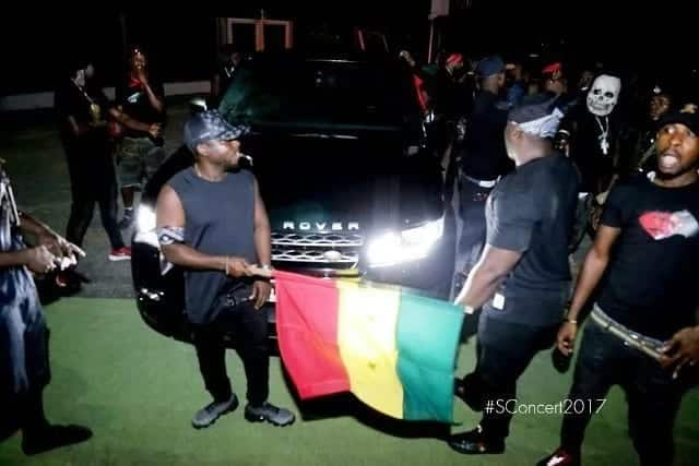 """How Shatta Wale landed at """"S Concert"""" like the reigning dancehall king he is"""