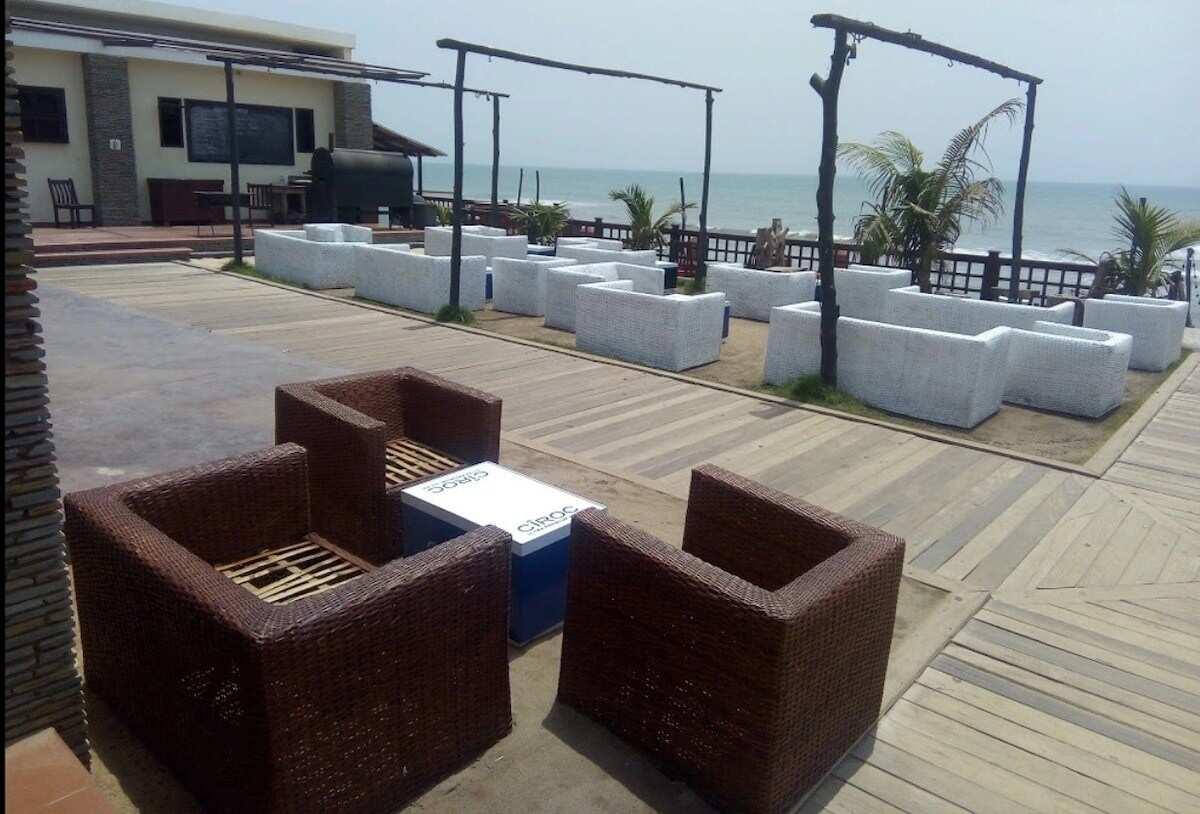 carbon nightclub accra, best nightclubs in accra ghana, plot 7 accra