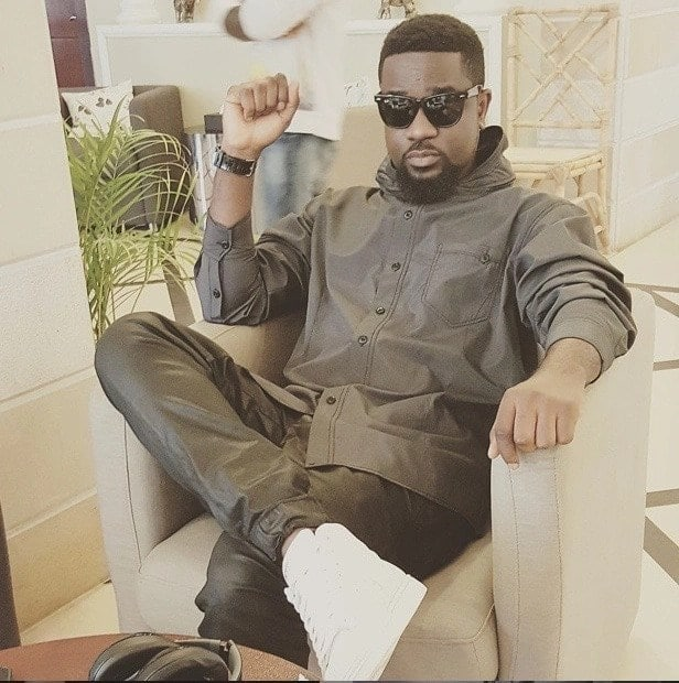 Sarkodie causes confusion between Kaywa and Hammer