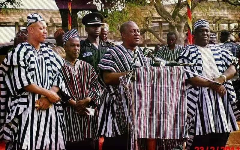 Former President Mahama with his clansmen