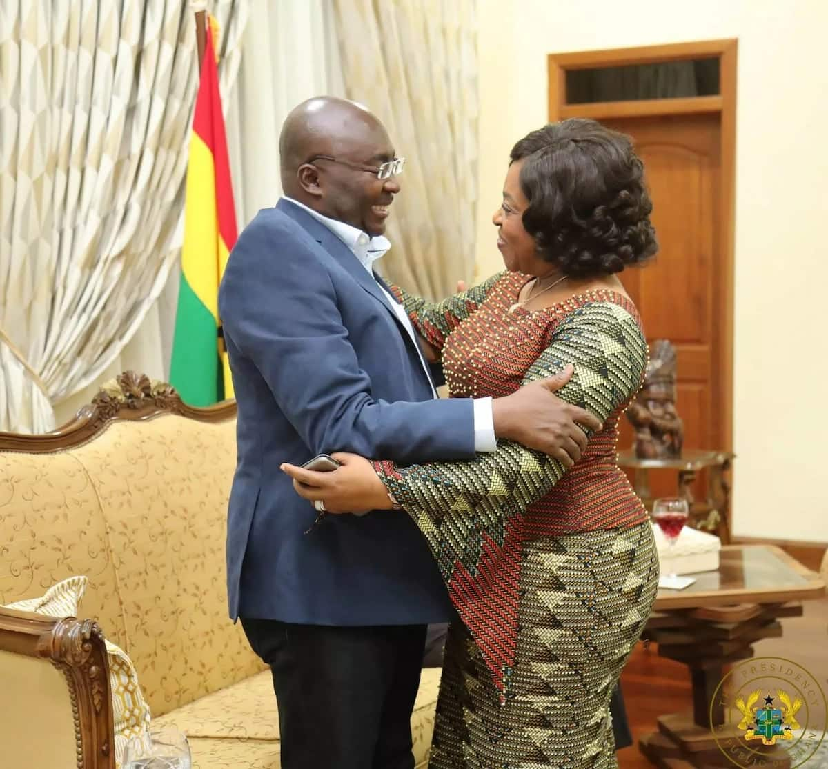 Dr Bawumia hugs Minister of Foreign Affairs, Shirley Ayorkor Botchwey at the Flagstaff House