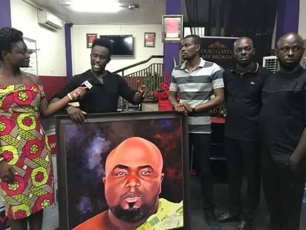 Ghanaian artist presents incredible painting of KABA to the family