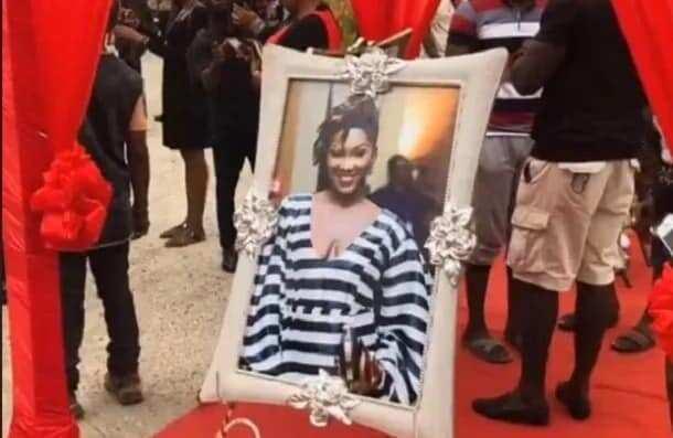 A framed photo of Ebony